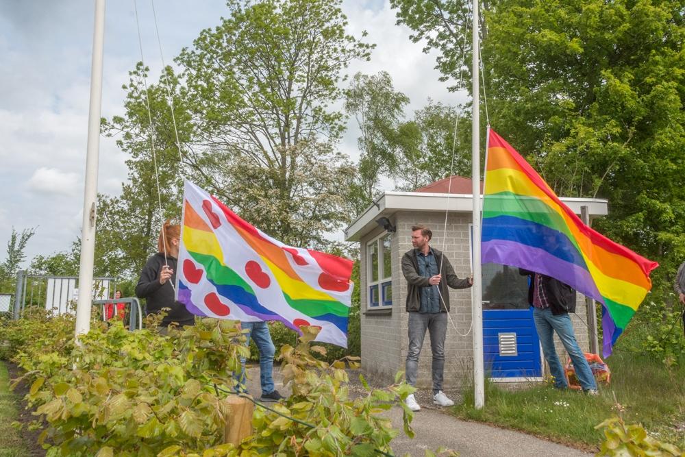 Sipke Jan Bousema hijst regenboogvlag bij Be Quick